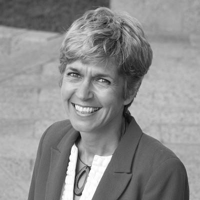 Dr Anne-Marie Bremner